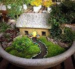 Сказочные декоративные домики для загородного дома