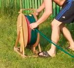 Катушка для намотки и хранения поливного шланга