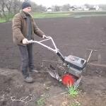 Как посадить картошку мини культиватором?