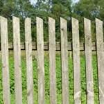 Как я устанавливал  забор  часть 1