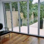 Надёжна ли стеклянная  дверь в дом?