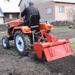Отзыв владельца о мини тракторе Уралец-220  часть 6  Работа почвофрезой
