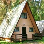 Садовый домик с мансардой каркасной конструкции типа «шалаш»