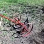 Ручная картофелесажалка  на колёсах