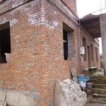 Что раньше устанавливать в строящийся дом - двери или окна?