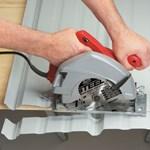 Как резать металлический сайдинг и металлочерепицу?