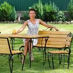 Стационарная или передвижная садовая мебель, столы и скамейки, на даче?