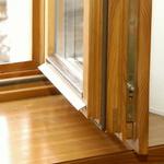 Деревянные окна - это красота дома