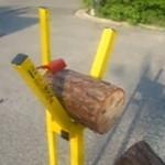 Держатель для поленьев при резке дров