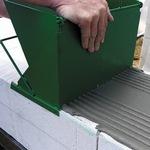 Каретка для нанесения клея на газосиликатные блоки