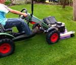 Педальная машинка с  бензиновой газонокосилкой