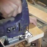 Пилим электролобзиком без сколов