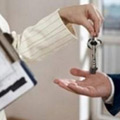 В апреле продажи квартир упали на четверть